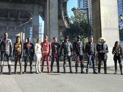 El majestuoso tráiler de 'Crisis on Earth-X' presenta a las versiones nazi de Arrow y Supergirl