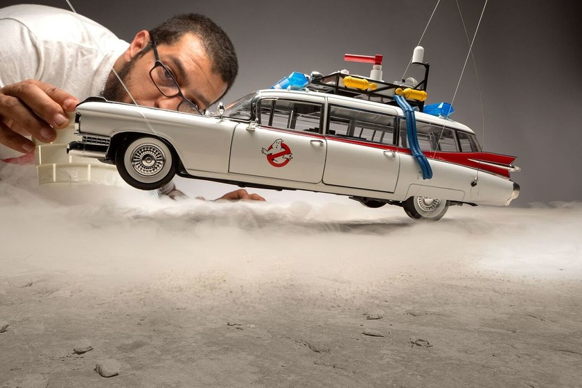 Talco, harina y juguetes a escala: con lo que tenga a la mano, el mexicano Félix Hernández crea estas alucinantes fotos