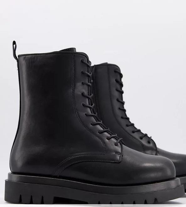 Botas militares negras gruesas con cordones de Truffle Collection Wide Fit