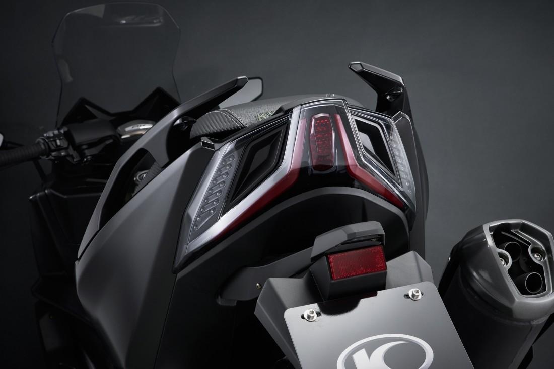 Kymco-AK-550-2017