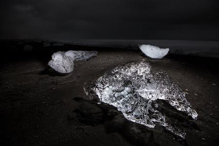 'Highlight', increíbles paisajes nocturnos iluminados con un dron por Paul Heran y Ryland West
