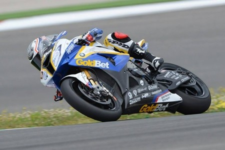 Superbikes Portugal 2013: Marco Melandri gana en una bonita primera carrera en Portimao