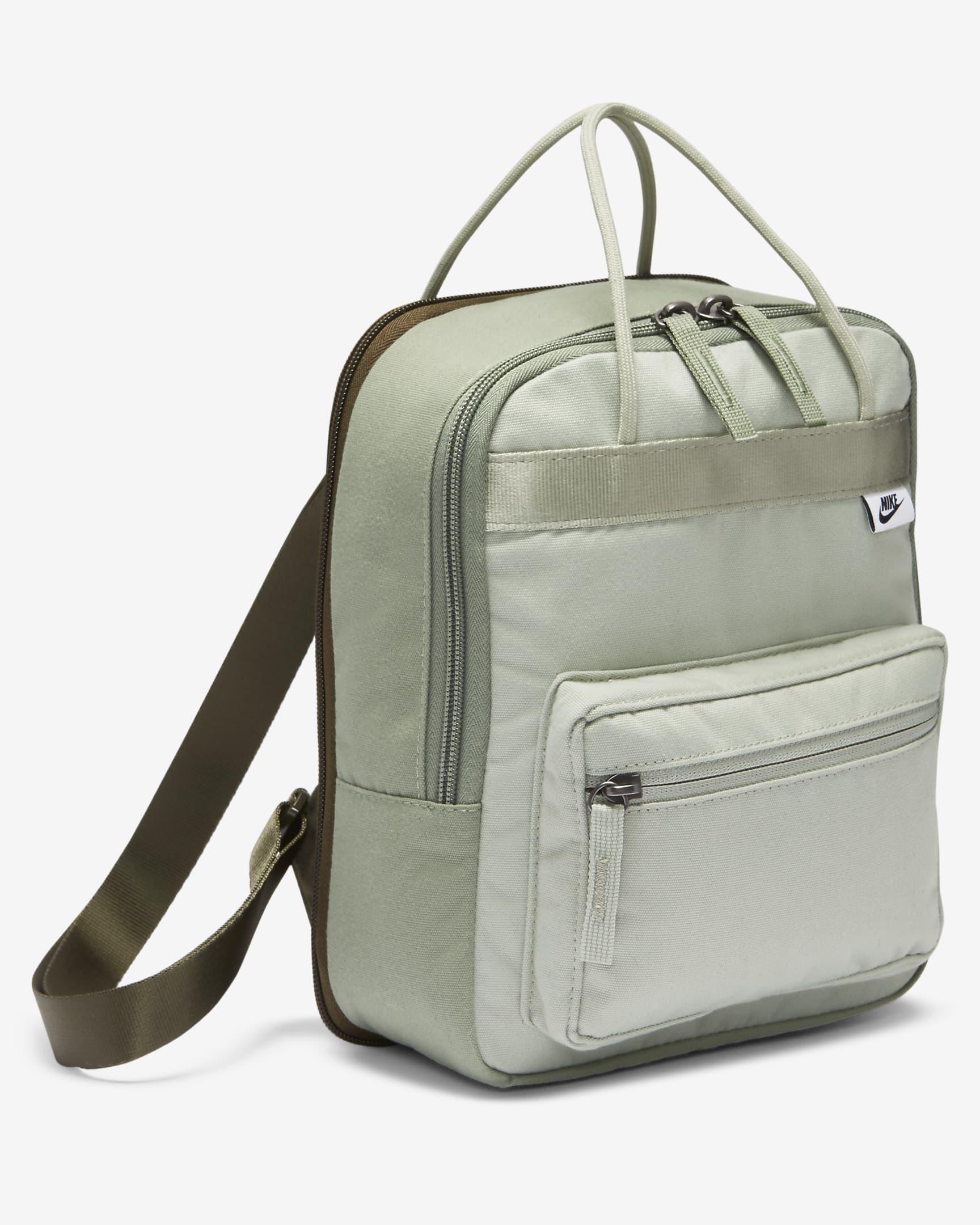 Mini mochila Tanjun en color caqui