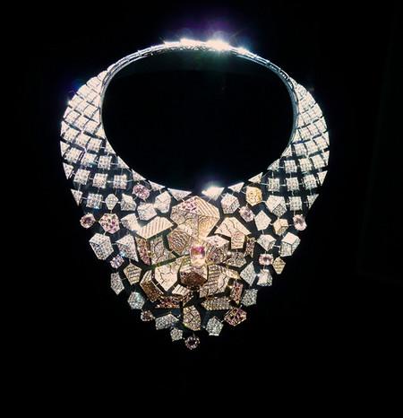 El collar Sunset y la parure Morning in Vendôme de la colección Café Society de Chanel