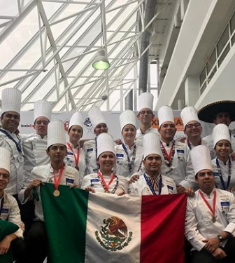 Cocineros mexicanos ganan oro, plata y bronce en la Copa Culinaria del Mundo en Luxemburgo