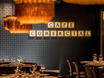 El Café Comercial de Madrid, ya renovado, abre sus puertas manteniendo su esencia cultural