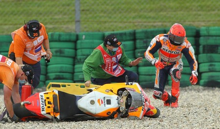 """Marc Márquez avisa a Honda tras el golpe de Assen: """"Hay que mejorar la electrónica, solo nosotros tenemos estas caídas"""""""