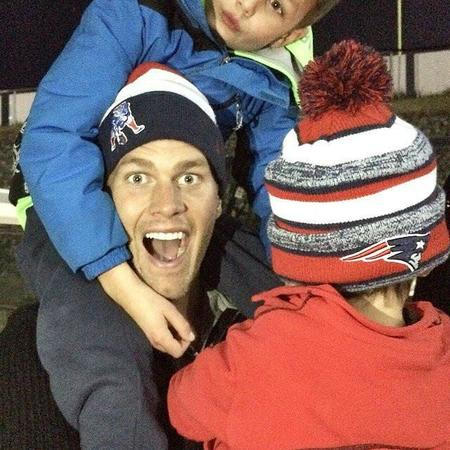 Ben Jack Brady Celebrated Patriots Win Dad Tom