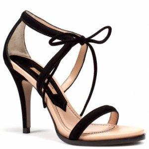 Looks con zapatos de tacón negro Primavera Verano 2011