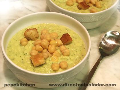 Gazpacho templado de legumbres. Receta vegetariana