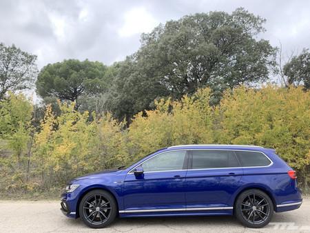 Volkswagen Passat Variant 2020 lateral