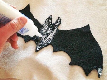 En Halloween decora la casa con murciélagos de fieltro