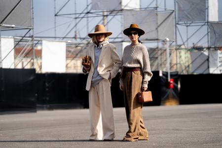 El street style nos da 13 ideas para seguir usando nuestras sudaderas con capucha cuando acabe la cuarentena