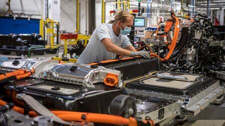 El futuro de las baterías de los coches eléctricos: el aluminio como sucesor del litio