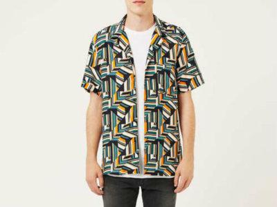 Hazte con todas: las camisas de manga corta con estampado hortera son el nuevo must have de la temporada