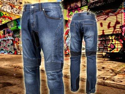 Look casual y buena protección en moto son compatibles con los pantalones Hevik Titán