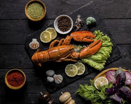 Langosta al mojo de ajo. Receta de la cocina tradicional mexicana