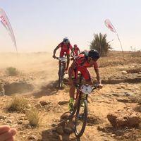 Casi 700 kilómetros de ciclismo por el desierto de Marruecos: así es la Titan Desert desde dentro