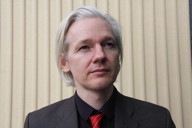 Julian Assange asilo Suiza