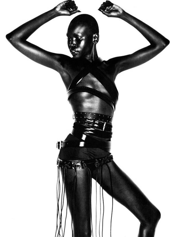 Foto de Alek Wek, de refugiada sudanesa a supermodelo (8/20)