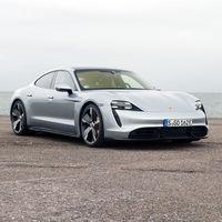El Porsche Taycan tendrá una versión más económica, con tracción trasera y una batería más pequeña