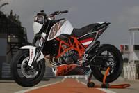 """KTM 690 Duke """"Track"""" limitada a 200 unidades. Definitivamente quiero una"""