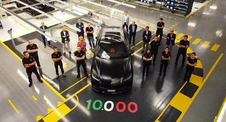 El Lamborghini Urus llega a las 10.000 unidades producidas: el superlativo SUV ya es el 'toro' más vendido