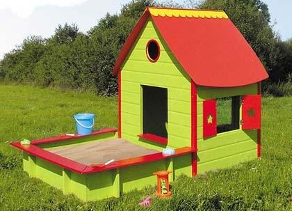 Casita de jard n con arenero for Casa juguete jardin