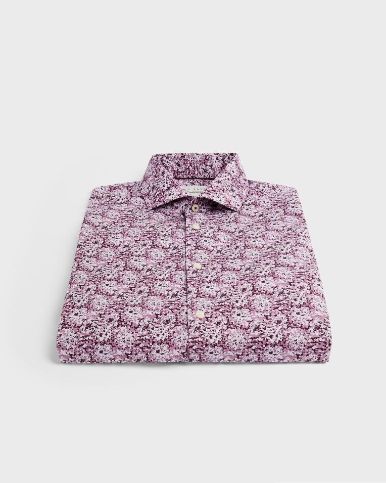 Camisa modelo chamomi con motivos de flor de cerezo