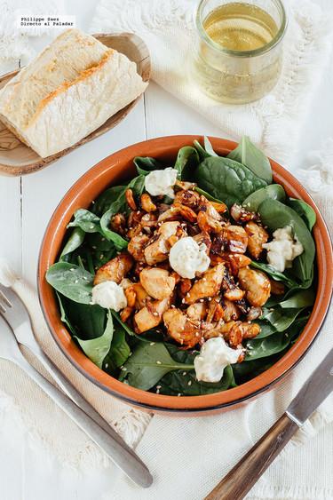 Ensalada de espinacas y pollo con soja. Receta saludable