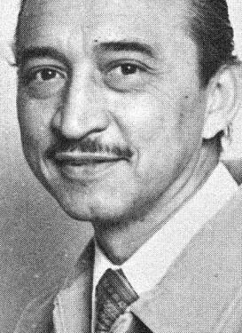 """Ignacio Anaya y su corte triangular: esta es la historia del camarero mexicano que creó los nachos """"por error"""""""