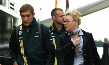 Oksana Kosachenko sí; Vitaly Petrov no