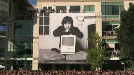 Imagen de Jobs en el campus de Cupertino