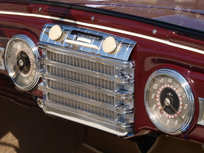 Radio1280px Lincoln Continental Cabriolet Photo 58
