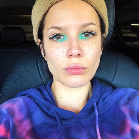 Halsey Maquillaje 02
