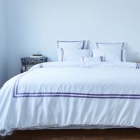 El Ultra Violet de Pantone llega también a los complementos textiles de Las Hilanderas