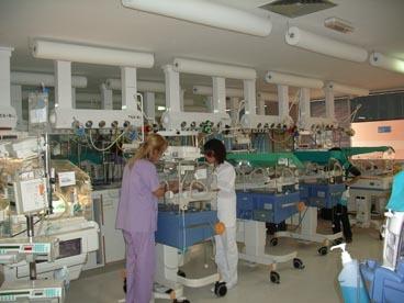 El personal de La Fe de Valencia, en contra de las cámaras en neonatología