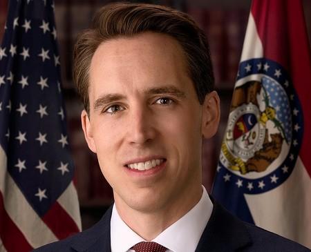 Senador Josh Hawley.
