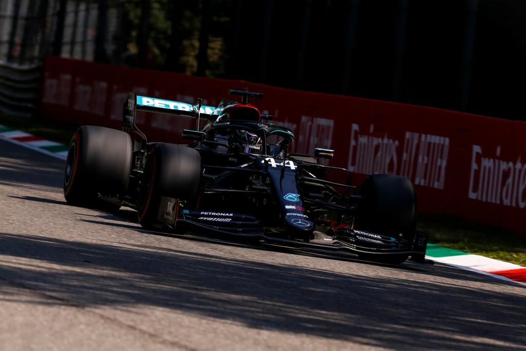 Lewis Hamilton hace la pole en Monza y tremenda clasificación de Carlos Sainz, que saldrá tercero