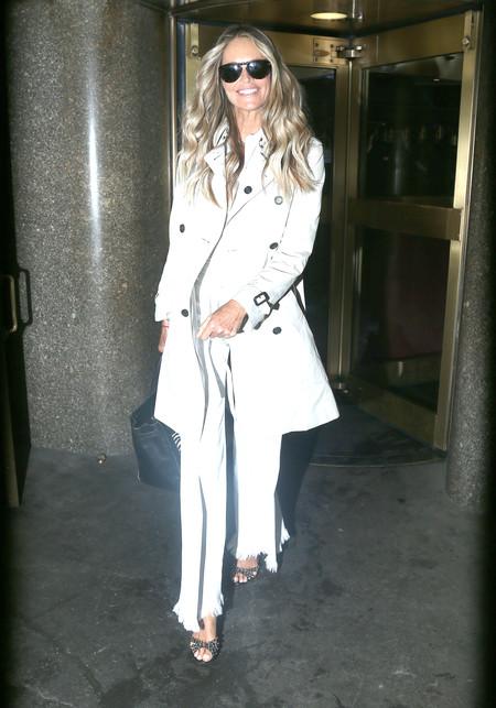 Elle Macpherson street style look