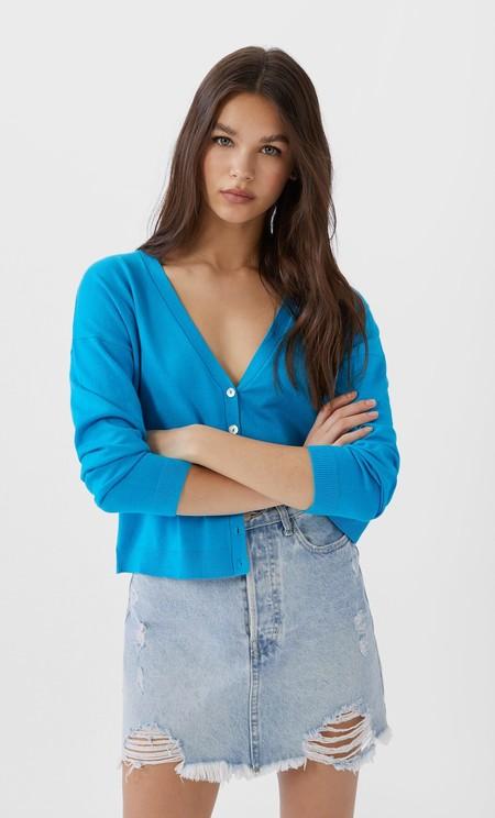 https://www.trendencias.com/propuestas-y-consejos/falda-vaquera-mini-midi-combina-todo-comodin-perfecto-para-temporada-primavera-verano