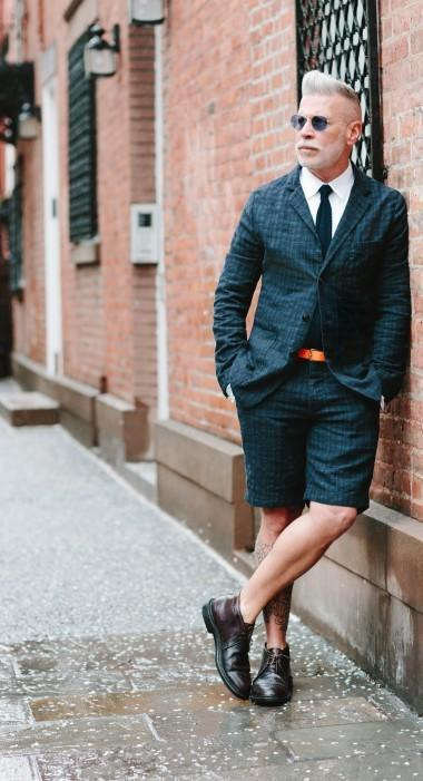 J. Crew también ve los trajes cortos como una opción elegante