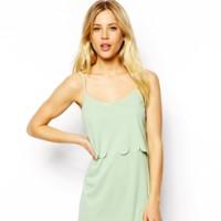 Vestido verde festoneado