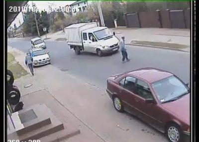 Hay gente con mucha suerte edición XXX: los peatones también pueden causar accidentes