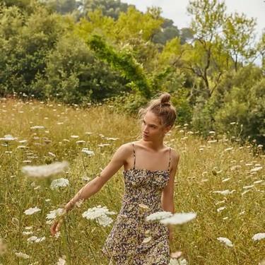 Las flores favoritas de este verano 2020 no huelen, visten: 17 vestidos florales por menos de 40 euros