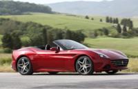 Empiezan a aparecer los primeros coches con CarPlay de Apple, Ferrari lo muestra para su próximo California T