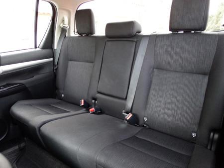 Asientos traseros Prueba Toyota Hilux Interiores