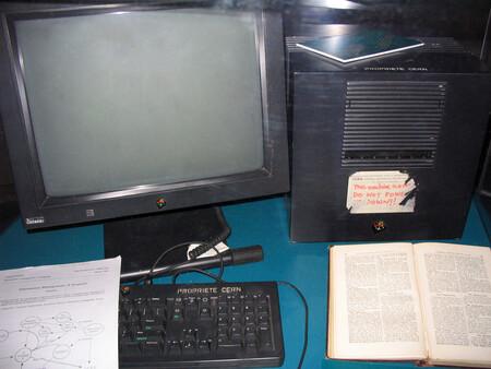No, Microsoft, la web nació en un ordenador NeXT y no un PC con Windows