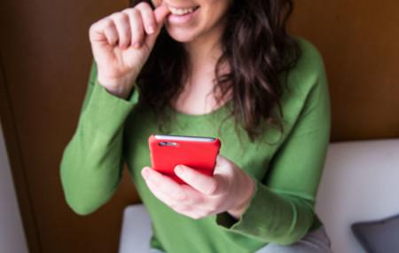 Relaciones a distancia: así han evolucionado gracias a los smartphones