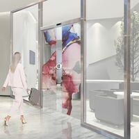 Poner teles OLED transparentes en las puertas es la nueva propuesta de LG para los edificios del futuro